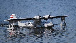 CATALINA 1470MM BRUSHLESS GRIS DYNAM HIDROAVION